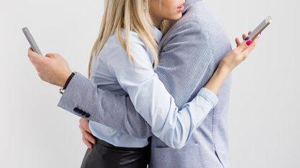 Relaciones 2.0: entre la búsqueda y el escape de los lazos emocionales