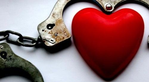La dependencia emocional. El lado oscuro del amor.